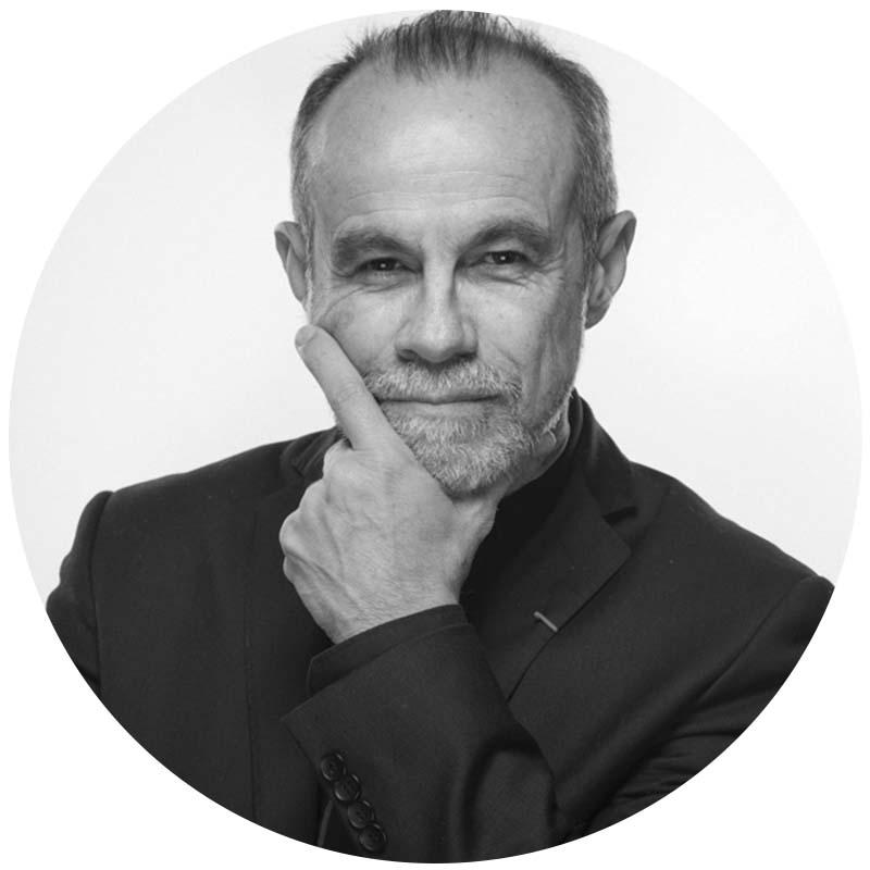 Professeur Carlos MORENO